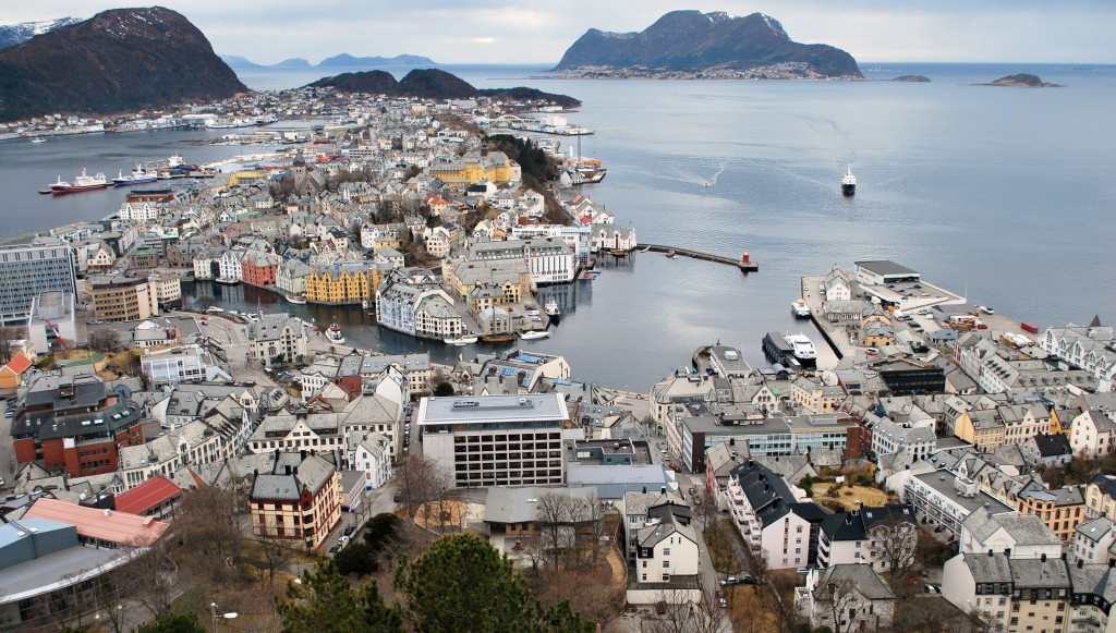 Alesund with Lofoten arriving • Photo: Ted Scull