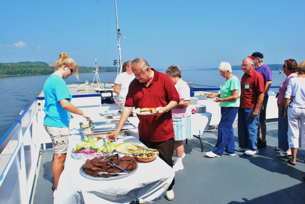 Deck barbecue on the Hudson River aboard Grande Mariner. * Photo: Ted Scull