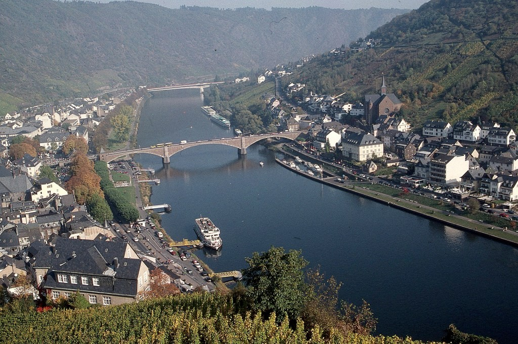 German rivers such as the Moselle and Rhine provide spectacular secenery. * Photo: Ted Scull