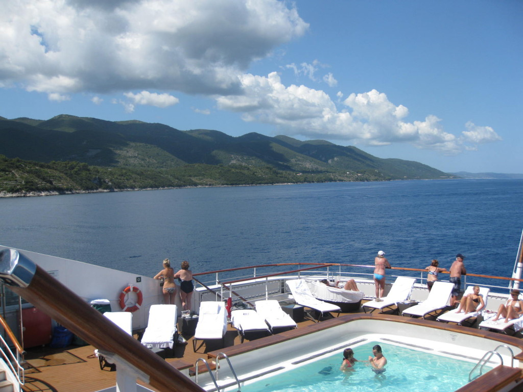 Ponant passengers love to be outside on deck. * Photo: Heidi Sarna