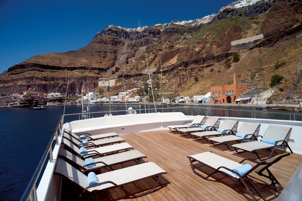 Imagine the views from this sun deck! * Photo: Variety Cruises
