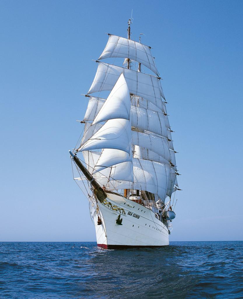 Sea Cloud under full sail -- WOW! * Photo: Sea Cloud Cruises